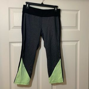 Calvin Klein | Cropped | Leggings | Workout pants